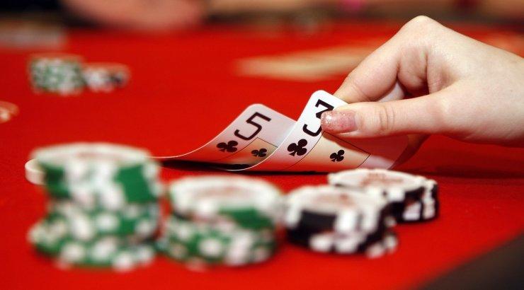 Онлайн покер в эстонии игровые автоматы игра в лягушки