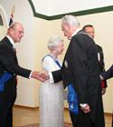 Elizabeth II ja Toomas Hendrik Ilves ja Arnold Rüütel