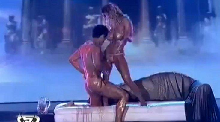 Эротические танцы со звездами россии