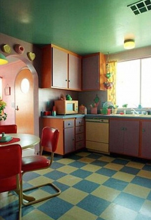 http://www.ladbible.com/entertainment/film-and-tv-interesting-a-real-life-version-of-the-simpsons-house-exists-and-its-uncanny-20171203
