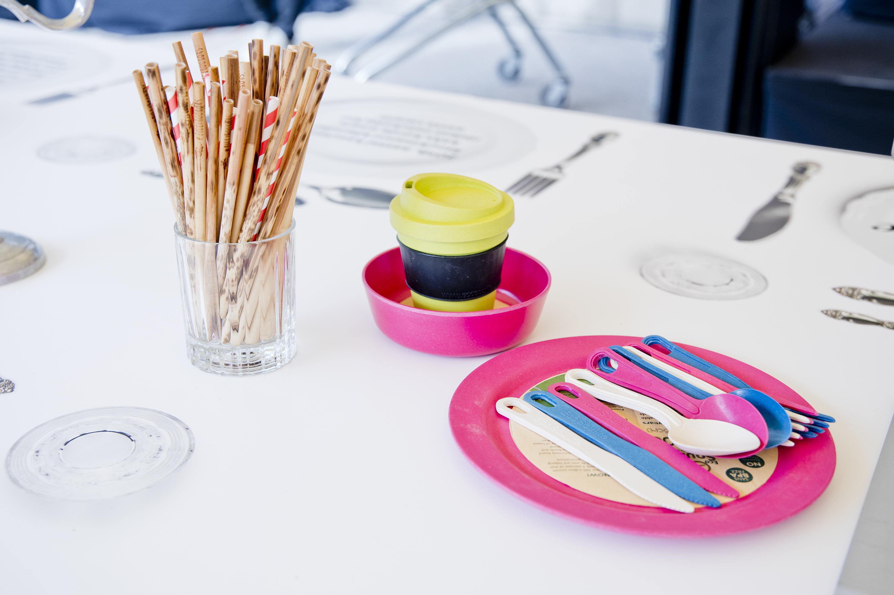 Näide Stockmmanni pakutavatest taaskasutatavatest alternatiividest ühekordsetele toodetele.