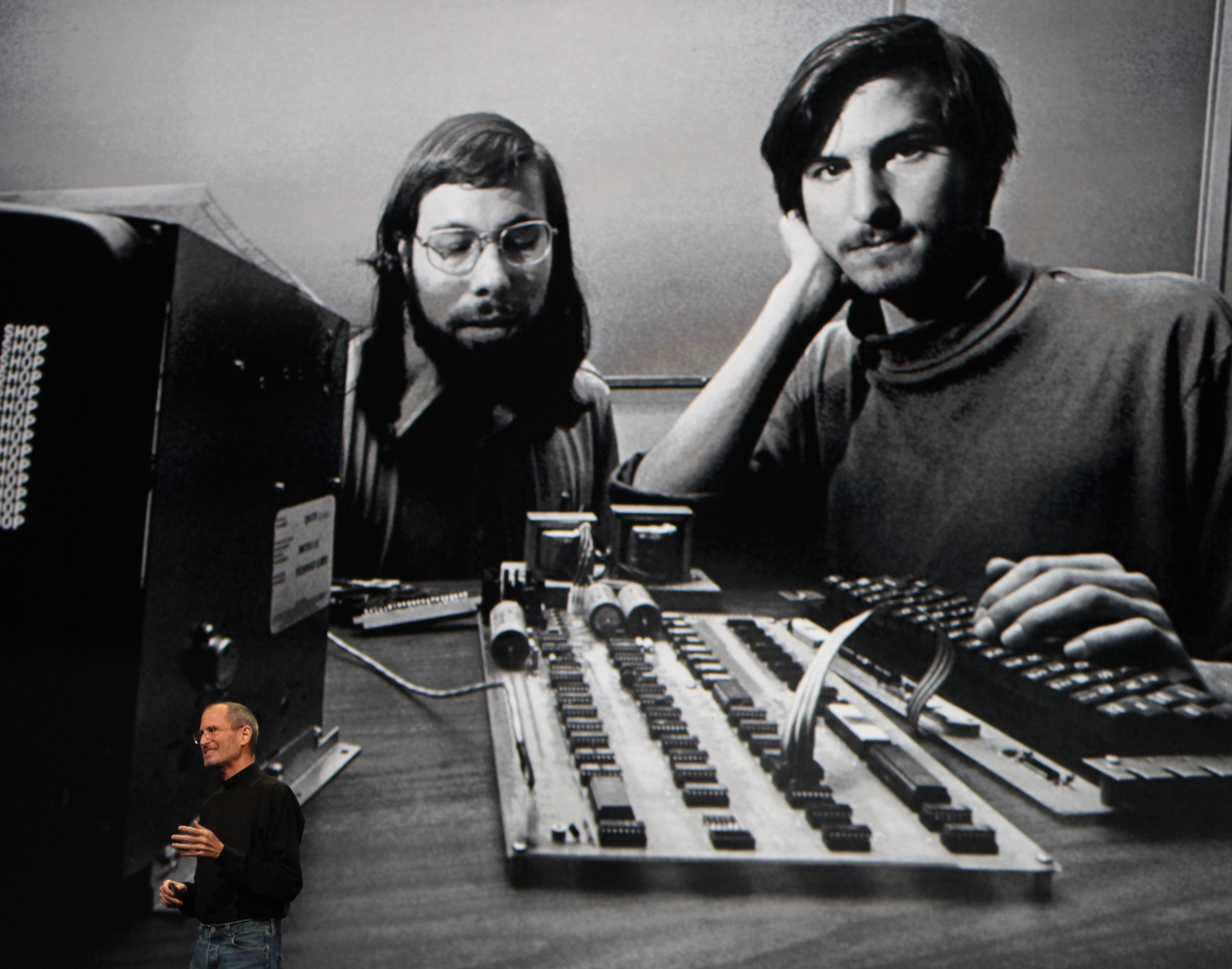 Steve Wozniak ja Steve Jobs Apple'i algusaastatel