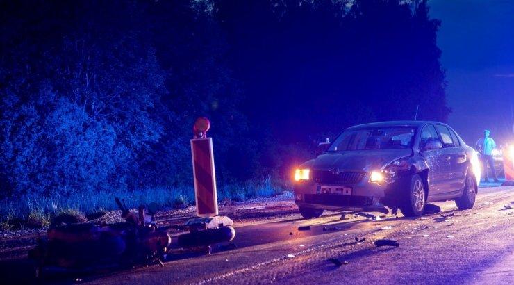 b8ab8e968df VIDEO JA FOTOD | Joobes mopeedijuht põhjustas Tallinna-Tartu maanteel  avarii - DELFI
